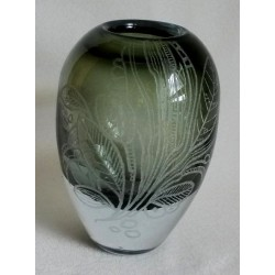 Vase design gravé 1