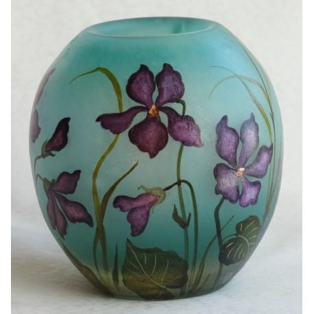Vase décor floral avec violettes