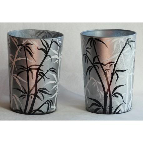Vase décor floral avec bambous