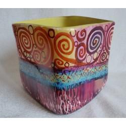 Vase décoratif de forme cubique