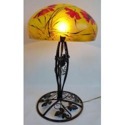 Grande lampe décor floral sur pied en fer forgé