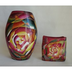 Ensemble de deux vases à motifs géométriques