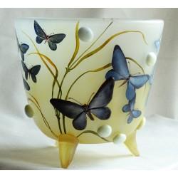 Vase décorative en rélief avec papillons