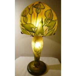 Lampe fond ocre avec iris