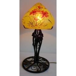 Lampe décor floral sur pied en fer forgé